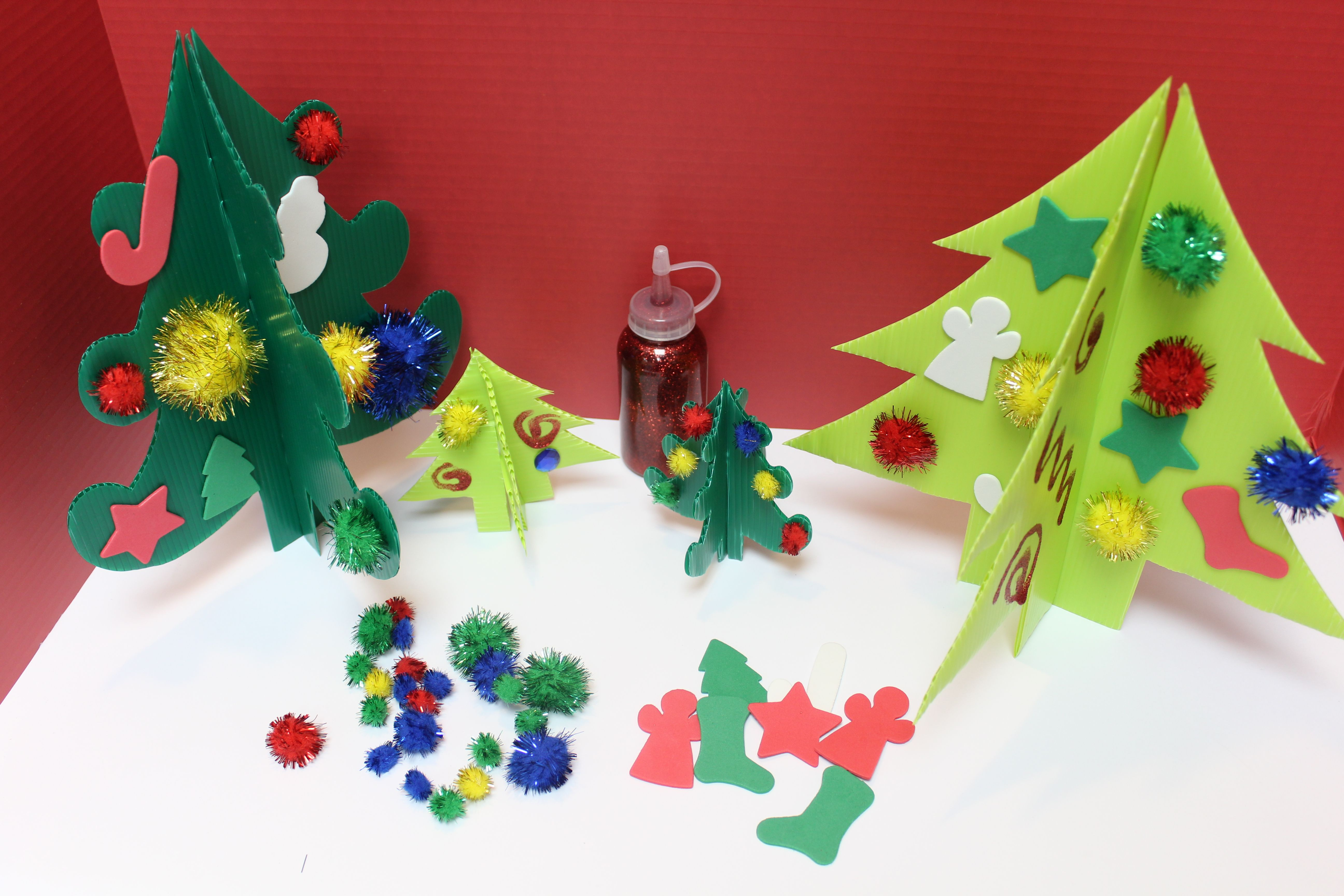 decorate your own 3D Christmas tree